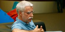 FOB-USP recebe fundador da Escola da Ponte